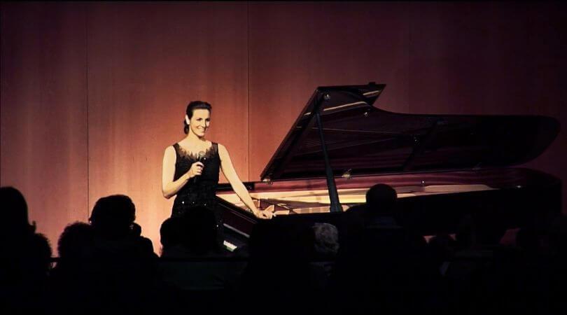 cristina casale pianista concertista flamenco bio extra