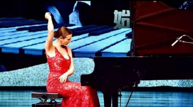 cristina casale pianista concertista flamenco bio 3